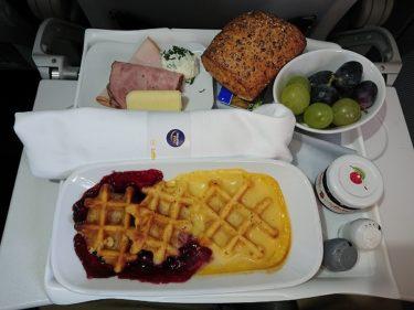 ルフトハンザドイツ航空ビジネスクラス フランクフルト>ヘルシンキの機内食(アイスランド旅行2018 その52)