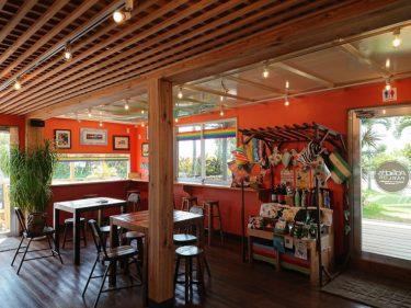 宮古・来間島にあるカフェ「あおぞらパーラー」のマンゴースムージー