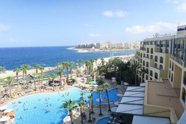 引き続きマルタ島に滞在中 こんな所に行ってこんな場所に泊まっています