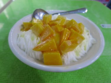 マンゴーが食べられる時期だけオープンの冰讃でマンゴーかき氷(週末台湾旅行2016夏 その12)