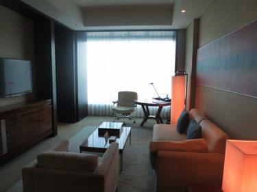 コンラッド東京 ツインスイートルーム宿泊記 その2 寝室とリビング