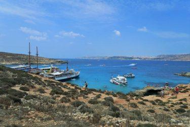 コミノブルーと呼ばれる美しいビーチが広がるコミノ島へ(マルタ旅行2016 その26)