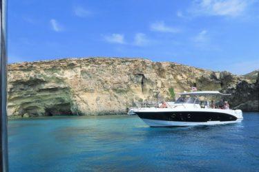 コミノ島のどこまでも青い海岸線を遊覧しゴゾ島へ戻る(マルタ旅行2016 その27)