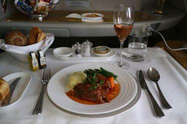 エミレーツ航空ファーストクラス ドバイ→ウィーン A380