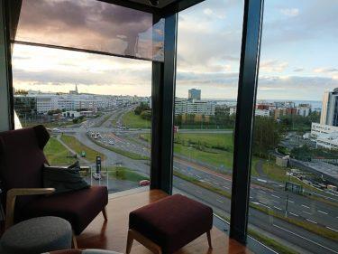 レイキャビクの街を見渡すラウンジでカクテルタイム ヒルトンレイキャビクノルディカ(アイスランド旅行2018 その15)