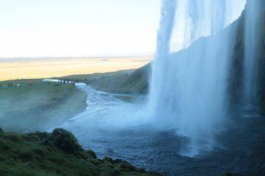 セーリャラントスフォスで裏側から滝を見る(アイスランド旅行2018 その18)