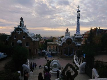 ガウディ設計のグエル公園を早朝に無料入場(バルセロナ旅行2018 その13)