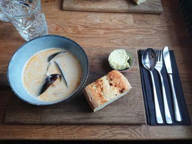 Stykkishólmur スティッキスホールムルにある絶品シーフードスープがいただけるお店「Sjavarpakkhusid」(アイスランド旅行2018 その39)