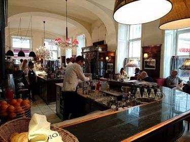 ウィーンのカフェ・ディグラス【Café Diglas】でカフェ・メランジェを