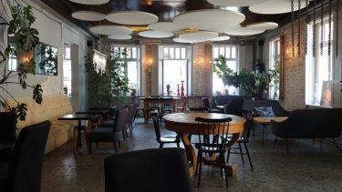 トビリシのレストラン「PAVILION」でランチ(ジョージア・アゼルバイジャン旅行2019 その21)