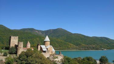 ジンヴァリ湖畔のアナヌリ教会(ジョージア・アゼルバイジャン旅行2019 その26)
