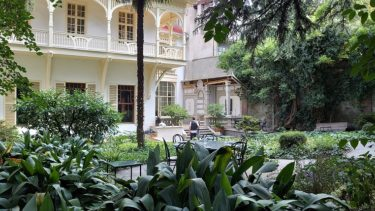 お庭が美しいカフェ・リッテラでレモネード(ジョージア・アゼルバイジャン旅行2019 その38)