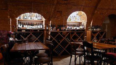 トビリシのワインバー「ヴィノ・アンダーグラウンド」でナチュラルワインテイスティング(ジョージア・アゼルバイジャン旅行2019 その40)